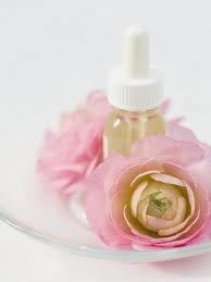 ROSE ABSOLUTE OIL